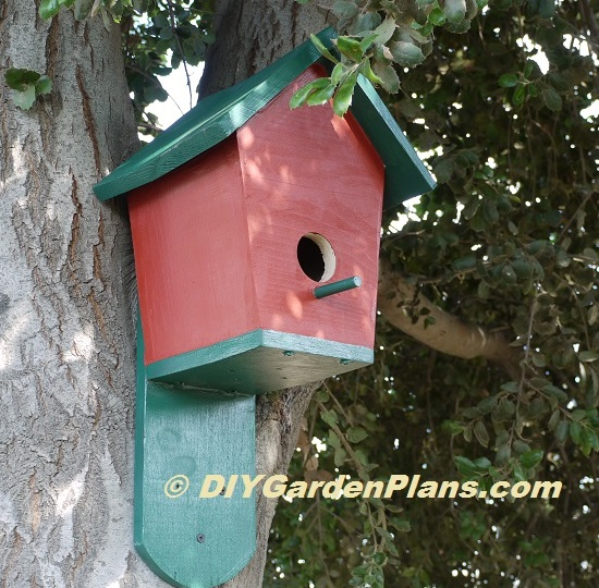 25 wonderful woodworking plans bird houses for Types of birdhouses for birds